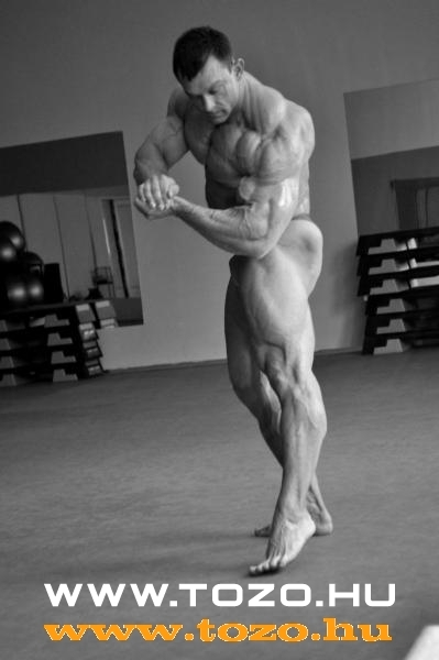 13 days before IFBB New Zealand Elite 2009.